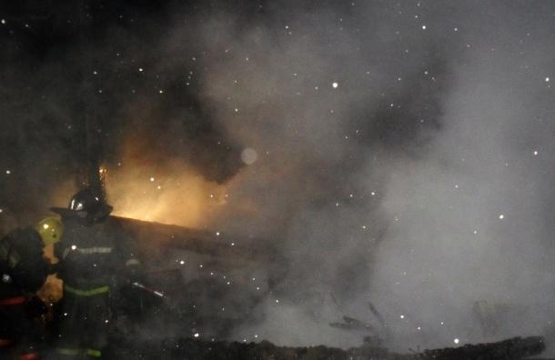 Офисное здание МЧС загорелось в Москве