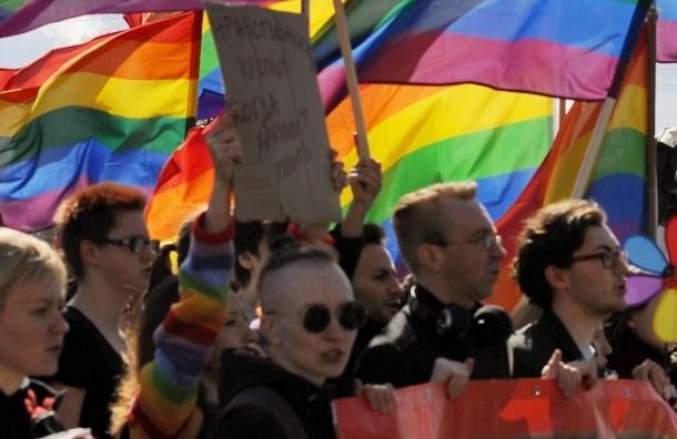 Гомофобия в России взросла, как зубы дракона, - депутат Борис Вишневский