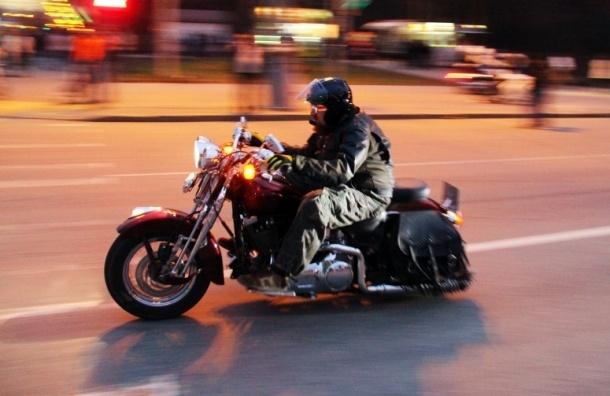 Аварийная карта байкера будет храниться под шлемом
