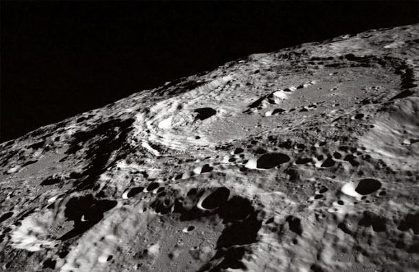 На Луну упал самый большой за историю наблюдений метеорит
