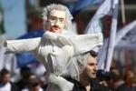 Митинг 1 мая 2013 в Петербурге: демократы пронесли по Невскому чучело Милонова