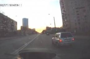 «Водитель»-детсадовец проехался по Краснопутиловской улице за рулем автомобиля