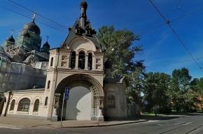 Мужчина грозился открыть стрельбу в церкви Петербурга
