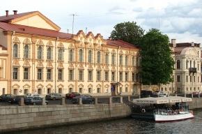 Здание библиотеки Маяковского получит стеклянную крышу и подземный этаж
