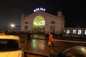 Два вагона петербургского поезда сошли с рельсов в Кирове