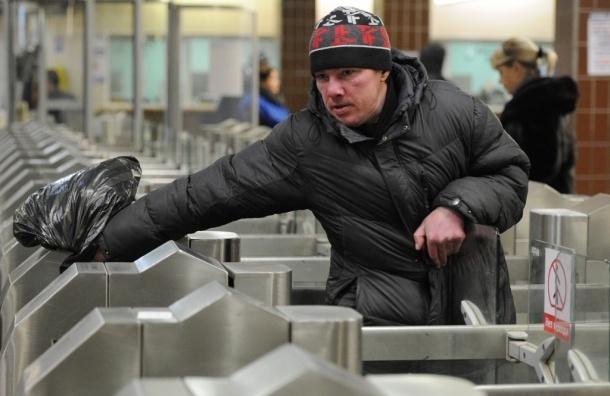 В московском метро начнут проверять выпивших пассажиров алкотестерами