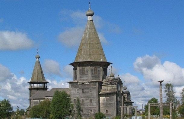 На Пасху молния сожгла деревянную Покрово-Власьевскую церковь под Архангельском
