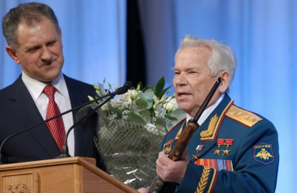 Легендарный конструктор оружия, 93-летний Михаил Калашников госпитализирован