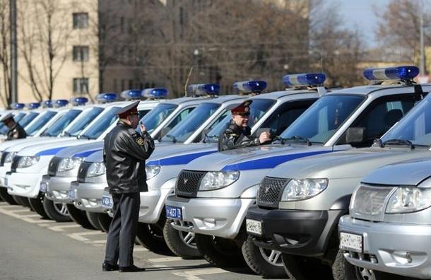Двигавшийся по встречке автомобиль полиции попал в ДТП в Ленобласти