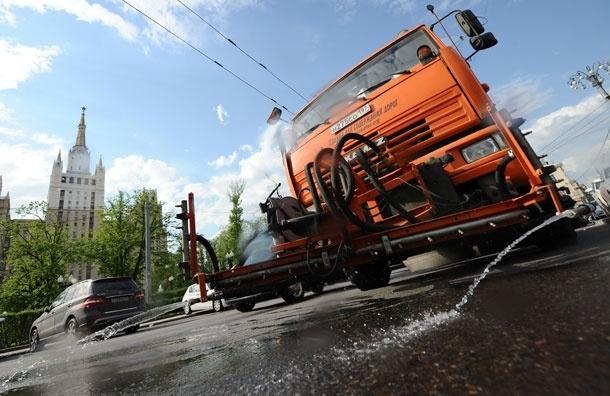 В Москве продолжается тропическая жара с грозами