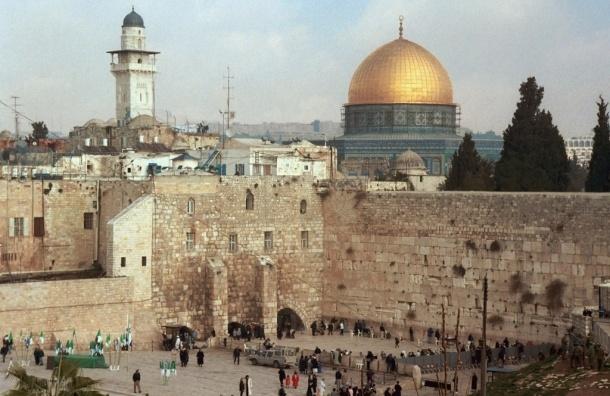 Охранник застрелил паломника возле Стены Плача