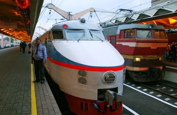 Вагон-автомобилевоз прикрепят к поезду Москва – Санкт-Петербург