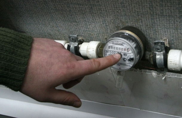 Показания водяных счетчиков москвичи могут передавать с помощью мобильного телефона
