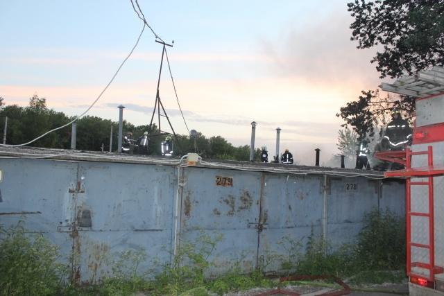 Пожар на Краснопутиловской : Фото