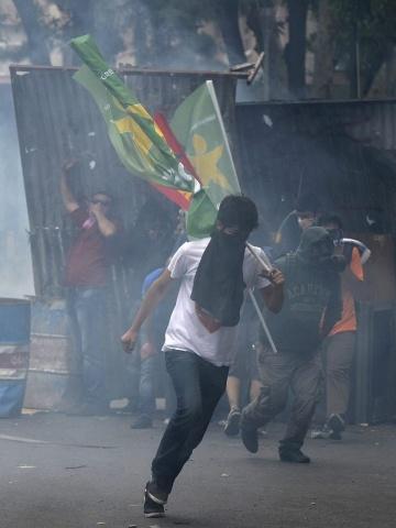 Антиправительственные выступления в Турции: Фото