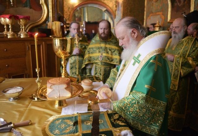 Патриарх Кирилл в Лавре: Фото
