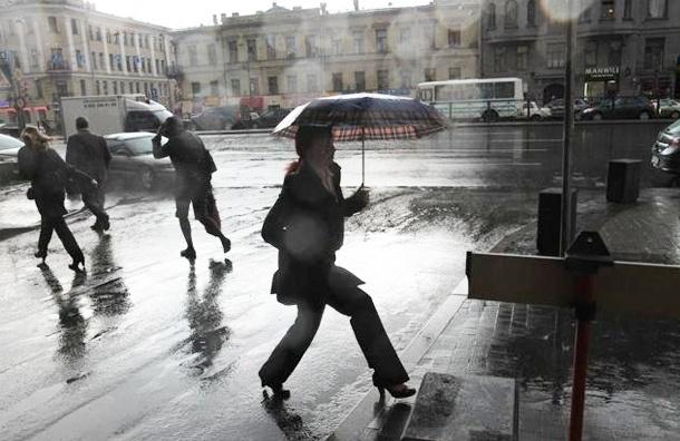 На Петербург надвигаются дожди