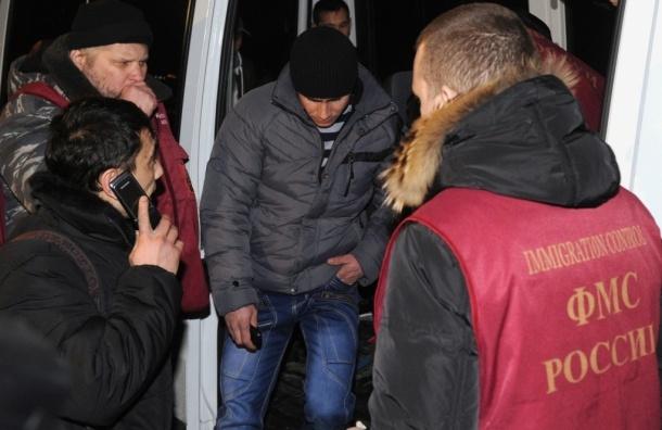Президент Федерации мигрантов России считает введение миграционного векселя дискриминацией и унижением мигрантов