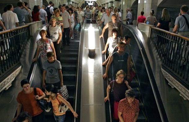 Пробежки по эскалатору в московском метро могут запретить