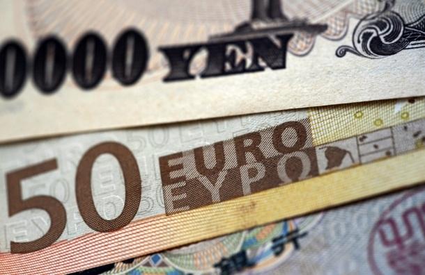 Более 4/5 россиян предпочитают хранить сбережения в рублях - ВЦИОМ