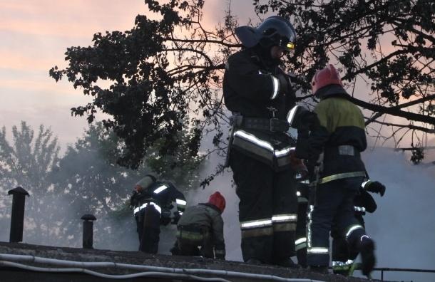 На Краснопутиловской улице сгорели гаражи