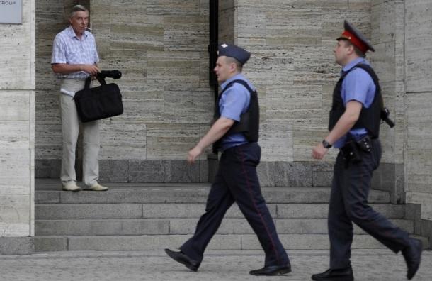 Столичный полицейский задержан за грабеж