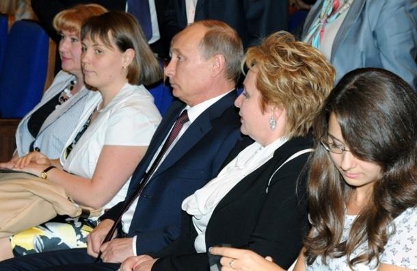 Развод Путиных не повлияет на рейтинг президента - ПОЛИТОЛОГИ
