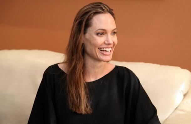 Впервые появилась на публике после операции Анджелина Джоли