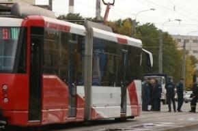 Трамвай 55-го маршрута сошел с рельсов на проспекте Испытателей