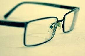 Курьер-карманник украл у американского туриста очки возле Спаса-на-Крови