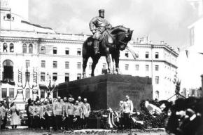 На площади Восстания могут поставить памятник императору Александру III