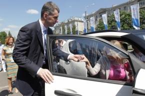Сотрудники ФСО не дали Прохорову припарковать свой «Ё-мобиль» у «Ленэкспо»