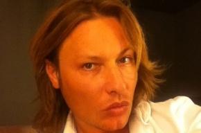 Известный стилист найден убитым в своей московской квартире