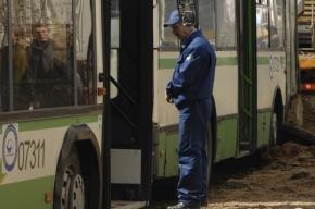 На Московском проспекте Ford Focus зацепил автобус №13, пострадала пенсионерка