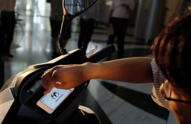 Каждый пятый пользуется смартфоном во время секса - Британские ученые