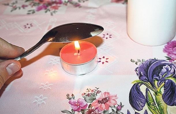 Цветной узор  на белой свече: как сделать декупаж по воску