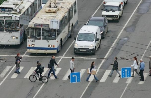 На 70 пешеходных переходах Москвы установят подсветку