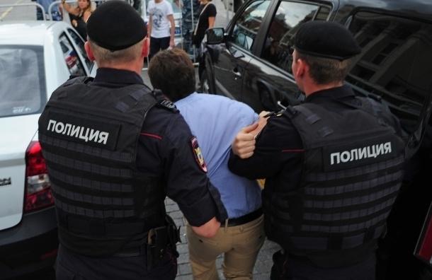 Полицейские избили задержанного в автозаке во время акции в защиту Навального