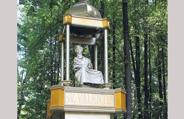 В Южном Тушино поставили памятник  Святому Валентину