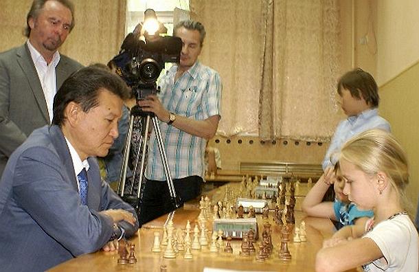 Президент ФИДЕ чуть не проиграл девятилетней  шахматистке из Воронежа