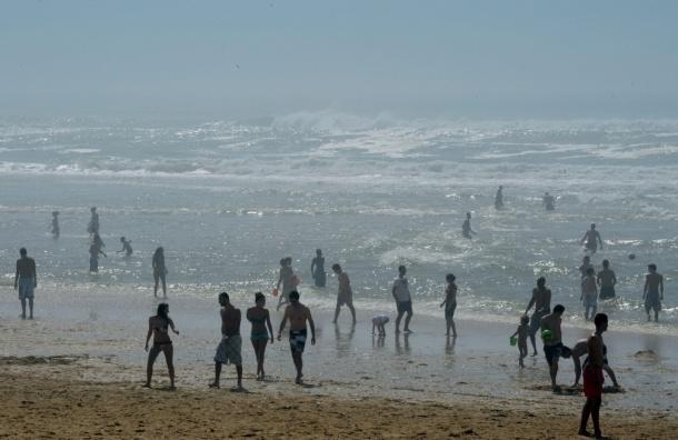 Испанские голые купальщики установили новый мировой рекорд