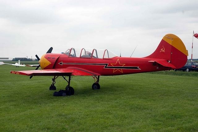 Як-52: Фото