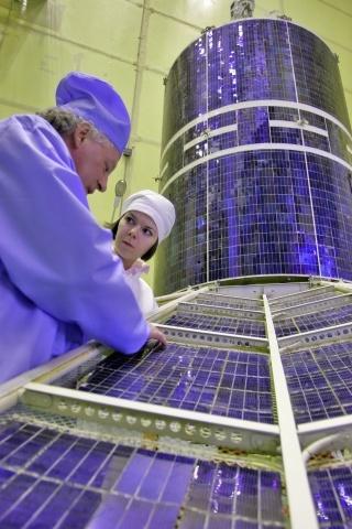 Спутник Гео-ИК: Фото