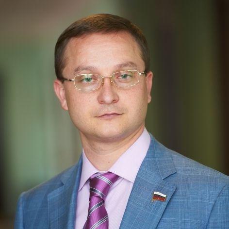 Депутат от ЛДПР Роман Худяков: Фото