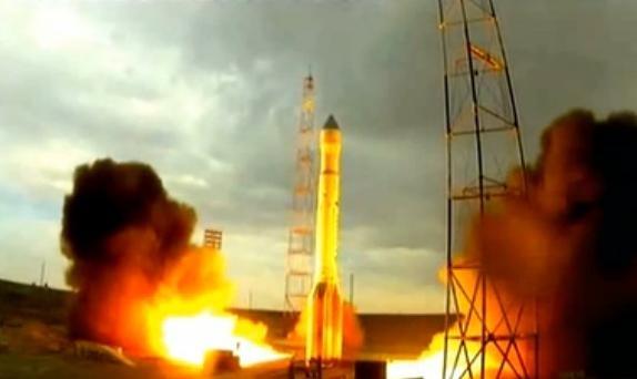 Запуск ракеты Протон-М с Байконура 2 июля 2013 года: Фото