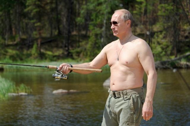 Путин на рыбалке в июле 2013 года: Фото