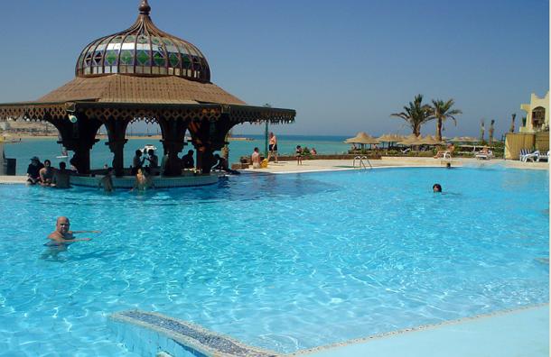 Россияне не отказываются от поездки  на египетские пляжи из-за штрафов