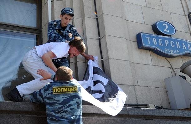 Госдума спрячется за двухметровым забором стоимостью более 1 млн рублей