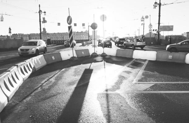 Дворцовый мост закроют 7 июля на весь день