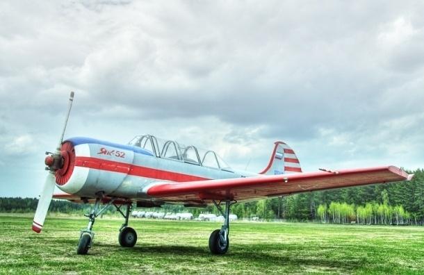 В Ленобласти спортивный самолет загорелся при посадке